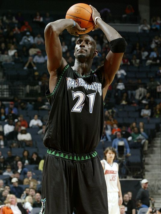 Kevin Garnett returns to Timberwolves in trade with Nets ...