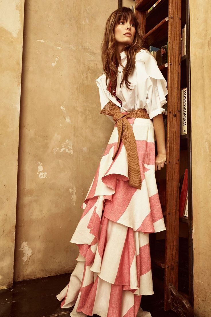 Johanna Ortiz Resort 2018 Collection Photos - Vogue skirts womens, skirts womens clothing for sale, women's skirts and dresses, women's skirts australia, women's skirts below knee. #ad