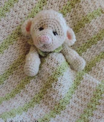 Baby Huggy Lovey Blanket Crochet Pattern by Teri Crews - Lamb Huggy Lovey