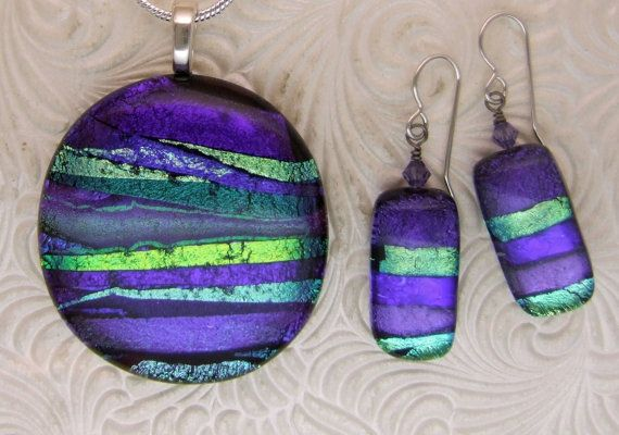 These earrings make an elegant set with the purple ribbon egg pendant (sold separately). Each pair is made to order so yours may vary slightly.