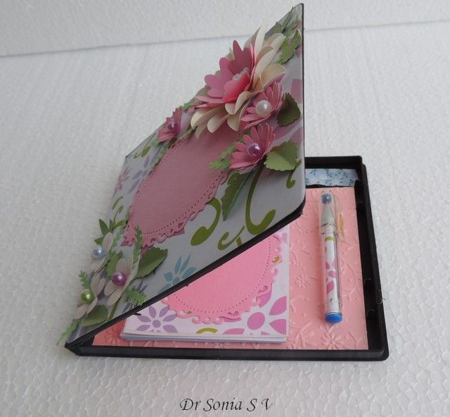 recycle old cd cases into crafts | Recycling Crafts