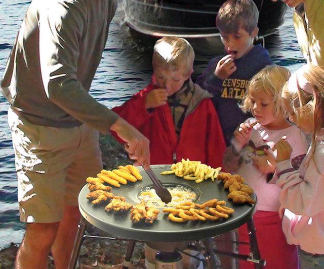 Fryin' Saucer Portable Propane Deep Fryer | DudeIWantThat.com