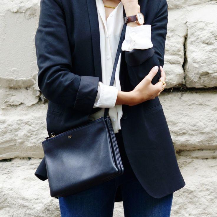 Inspiration til påskeferie! Blå jeans - nye fra salg, hvis skjorte og COS-blazer
