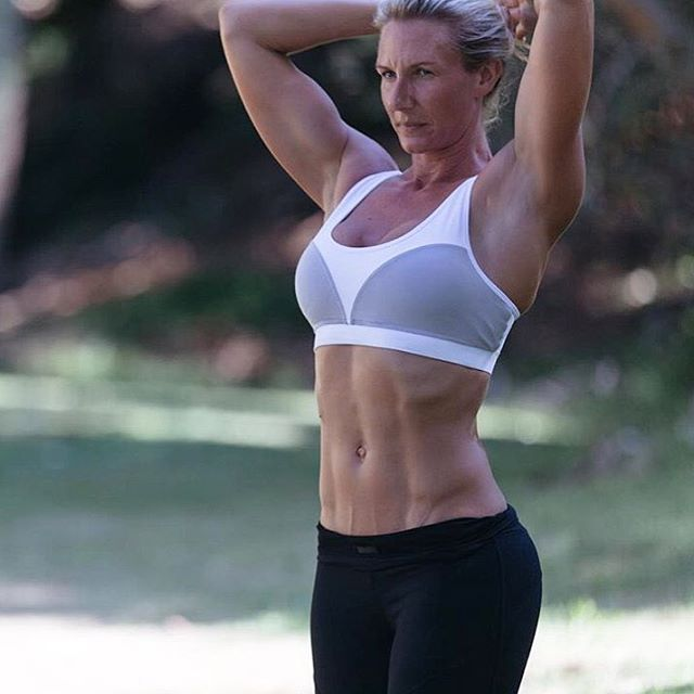 Aim high and see where you land  Great things never come from comfort zones  Fit babe @actionalexa in our Exhale Sports Bra and Elegance 7/8 Tights - doesn't she look fabulous!   www.femmebody.com.au  #femmebodyactive #feminine #activewear #activeliving #athleisure #healthylife #fitspo #fitfam #fitnessglam #WHfitspo #luxury #energiseyourconfidence #body #workout #exercise #curves #health #happiness #fitnessmotivation #lifestyle #gymlife #creatingcurves #fitness #bamboo