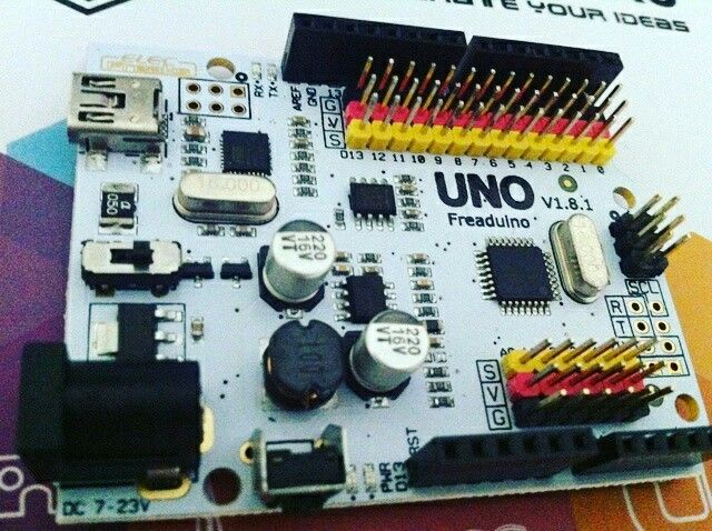 Some toys to play with at the usergroup meeting. Freaduino uno.