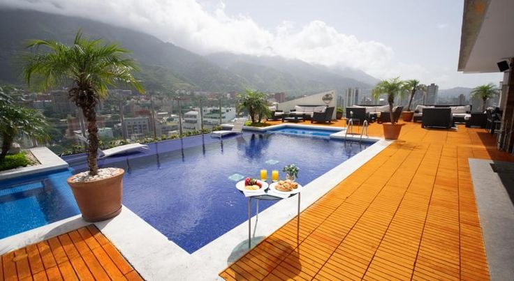 Pestana Caracas Premium City & Conference Hotel Caracas Featuring a top-floor outdoor pool with 360 degrees views of the city, the Pestana offers elegant accommodation in contemporary style. It includes a jacuzzi and a gym overlooking El Avilla Mountain.