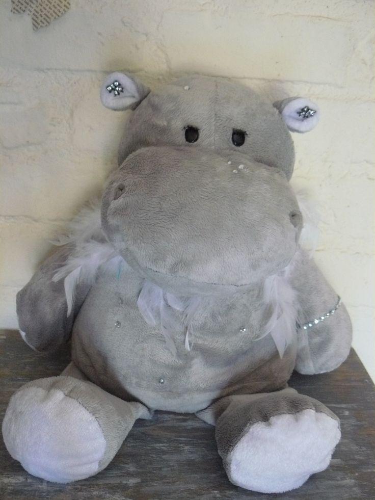 Glam hippo!
