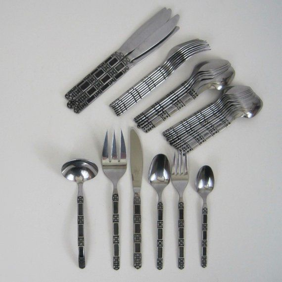 Unknown Mfg Flatware 6 Knives knife Stainless Fish Knives Black accents Unknown pattern