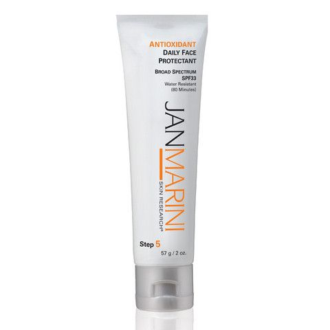 No more denying your skin the protection it needs because of heavy or greasy sunscreen lotions. As an ongoing favorite of Jan Marini customers, this Antioxidant Daily Face Protectant is a multi-functional sunscreen that not only protects but is formulated specifically to control oily skin while it hydrates for a smooth, matte texture.