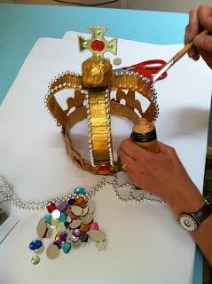 cardboard crown tutorial