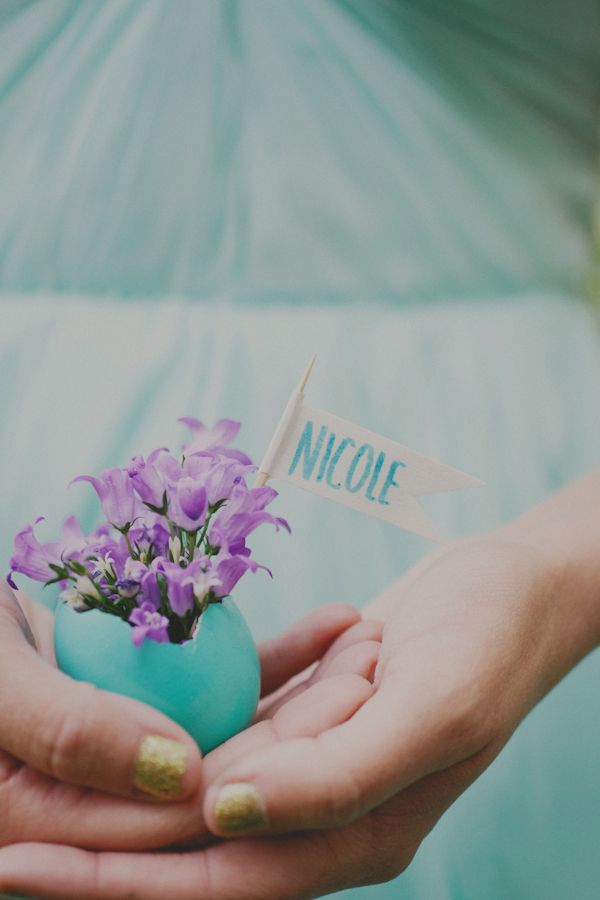 May be a little labor intensive, but these would be super cute place setting or escort cards for a spring wedding.