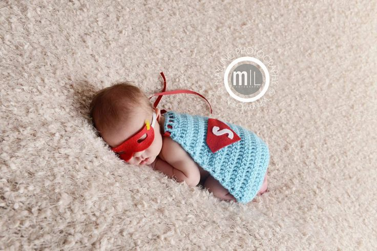 OH-EM-GEE! Superman Cape - Photo Props, Photography Prop, Newborn. $30.00, via Etsy. Poor thing doesn't realise how cute he is being used as entertainment :p