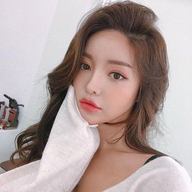 Pin by iSadeem on K | Pretty korean girls, Pretty makeup looks, Beauty girl