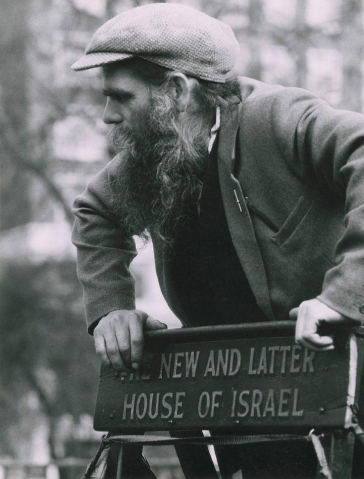 London: Hyde Park Speaker's Corner (rrpph03002009) - Ronald Reis Photographs - Duke Libraries. 1964