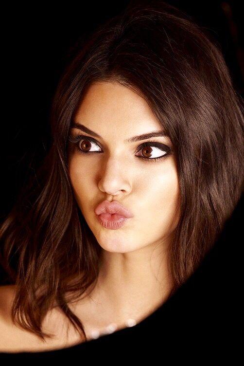 Kendall Jenners 8 Fashion-Favoriten in Schwarz