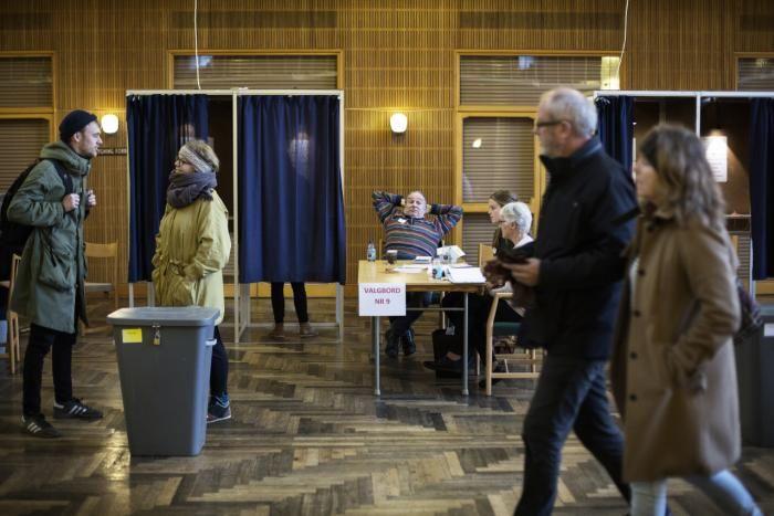 Dagens EU-afstemning viser som så mange afstemninger før et gab mellem, hvad samfundets elite anbefaler, og hvad befolkningen ønsker. Mange danskere ser ikke fordelene ved mere harmonisering mellem EU-landene, men frygter i stedet en udhulning af deres egen velfærd.