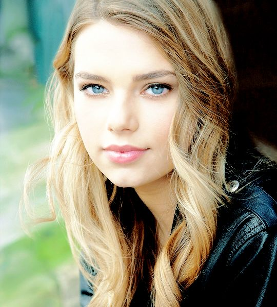 "{ Indiana Evans } ""Hey! I'm Indiana. But you can call me Indi. I am 17 and single. I am very out going and I love to be around people. I love going to the beach and hanging out with my friends. I love Zebras and the color blue. My favorite food is also tacos! I know I'm weird! But I don't bite so introduce yourself!"""