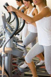 Persoonlijk vind ik de crosstrainer één van de fijnste fitnessapparaten die ik ooit heb geprobeerd. De beweging voelt natuurlijk en je raakt niet écht uitgeput, zeker niet als je efficiënt wilt afvallen en je hartslag relatief laag dient te houden.