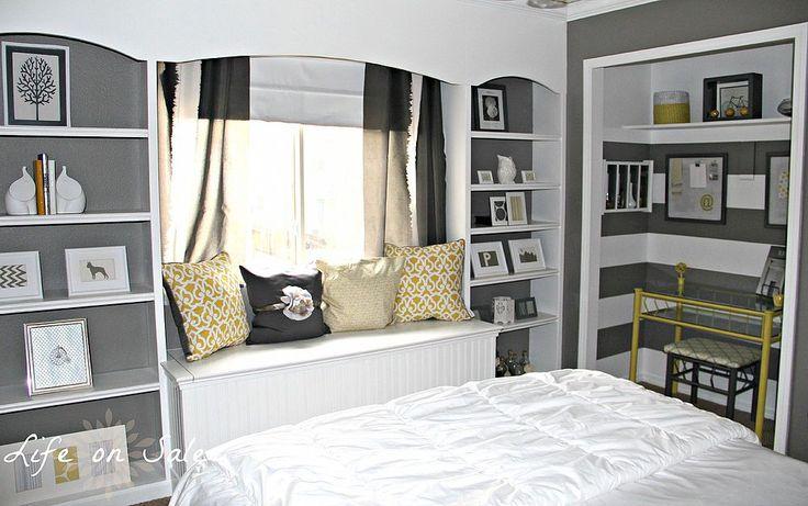 Creating an Office in a Closet | Hometalk