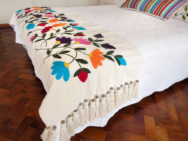 28 best mantas images on pinterest bed covers Mexican embroidered bedding