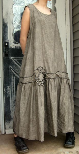 Artsy Dresses - Handmade Clothing pretty and not too advanced sewing skills needed.