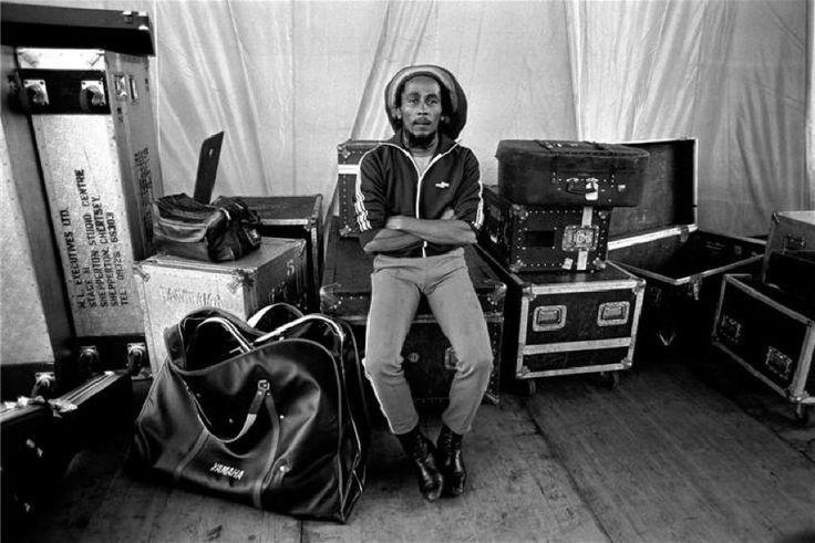 Bob Marley waiting backstage in Milan, Italia, by Lynn Goldsmith, 1980