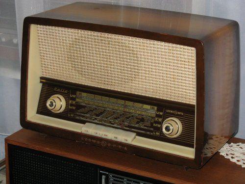 Loewe Opta Bella (6720W) csöves rádió