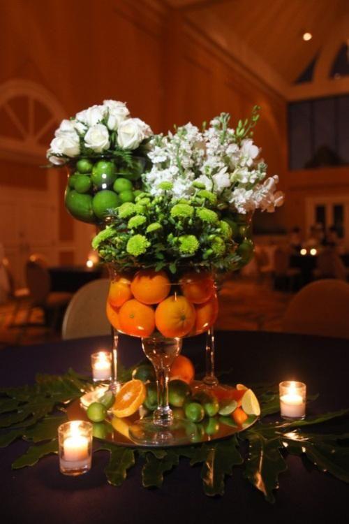 46 best martini glass centerpieces images on pinterest for Centros de mesa con frutas