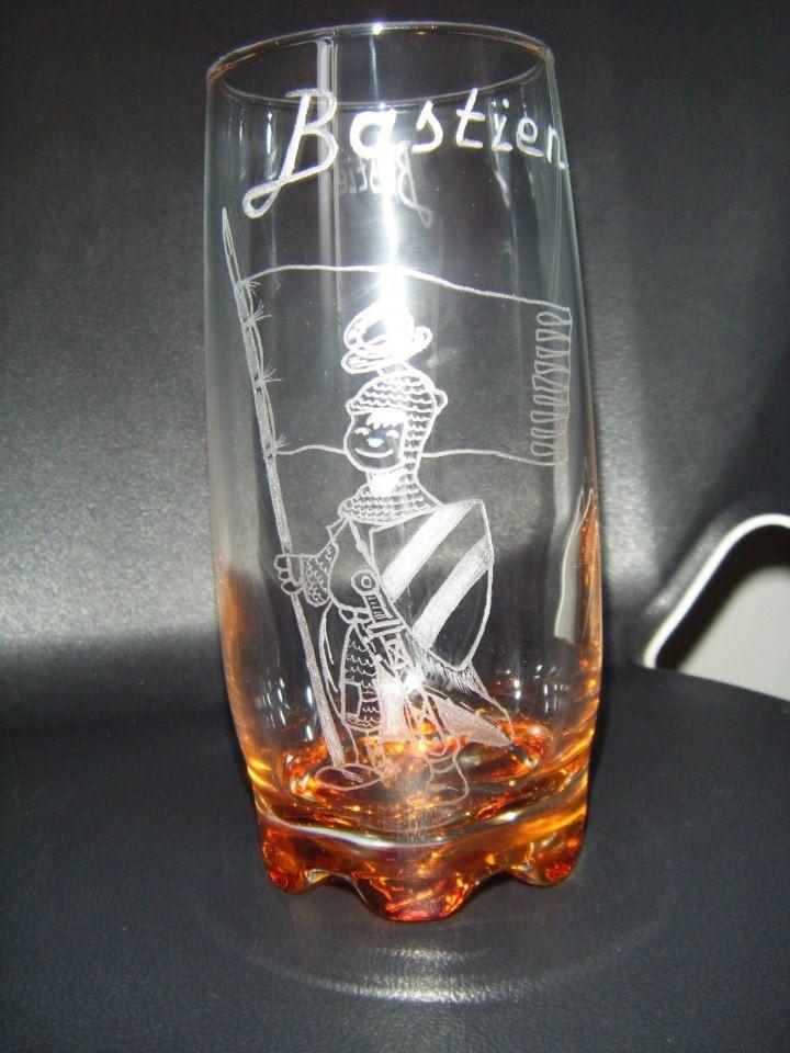 Chevalier sur verre