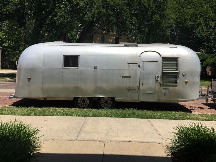 1963 Vintage Airstream Overlander 26 foot FOR SALE • CAD 10,143.74 • See Photos! Money Back Guarantee. JFK was President when this Airstream was made in 1963. This 53 year old Airstream Overlander is 26 feet and has a 23 foot body. Has door within a door. 252496987940