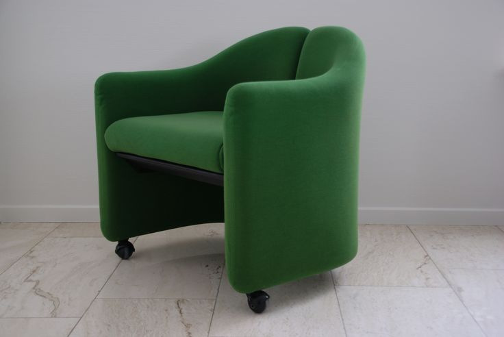 Serie 142 chairs 1966 eugenio gerli tecno milano for Design vintage milano