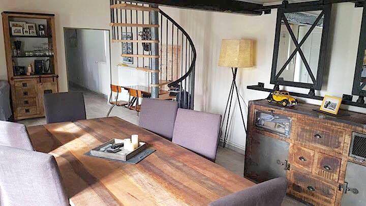 Alweer zo'n typisch Barak7 industrieel interieur, perfecte mix van industriële meubels en rasechte vintage, prachtig hoe beide stijlen samengaan niet?! Alle info op www.barak7.nl