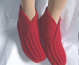 knitting slippers, free knitting pattern and tutorial | make handmade, crochet, craft-free pattern