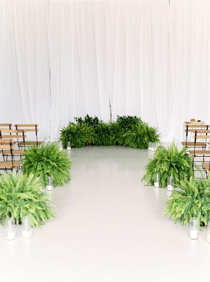 Greenery wedding ceremony  | Photography: Maria Lamb - http://marialamb.co/