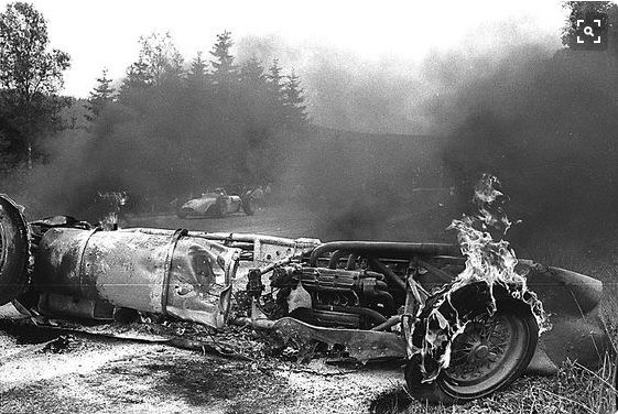 Spa F1 GP, 1960  Alan Stacey was hit in the face by a bird while driving at high speed in his Ferrari; he crashed and died seconds later.