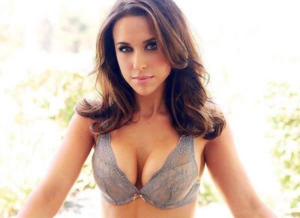 Lacey Chabert photos, collecting pictures together of one of entertainment's hottest women. Lacey started acting in smaller TV roles on shows like All My Children and Gypsy. She broke out with her role in the Fox show Party of Five. She went on to provide her voice for shows like The Wild...
