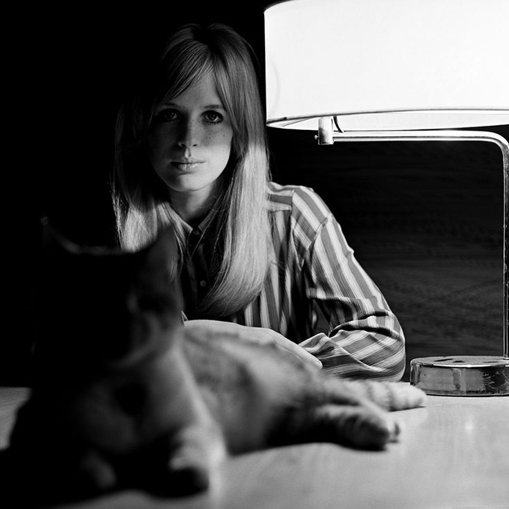 Give us this day our daily bird #15 – Marianne Faithfull – Snap Galleries Limited