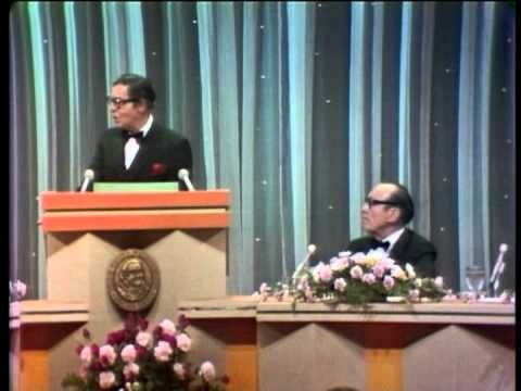Milton berle celebrity roasts comedians