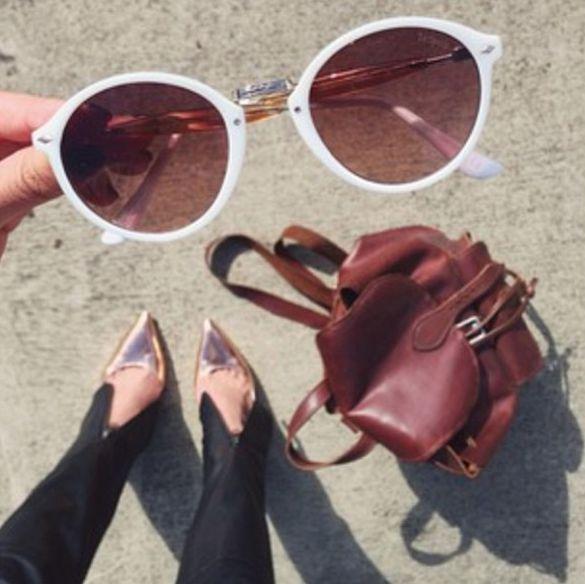 The ever stylish @margaret__zhang showing off the Le Specs Alohaha Sunglasses! #lespecs #alohaha #sunglasses #style #fashion #accessories #sunglassconnection #margaretzhang