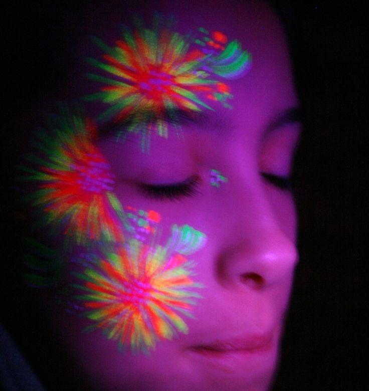 Best 25+ Neon Face Paint Ideas On Pinterest | Glow Face Paint Black Light Makeup And Rave Face ...