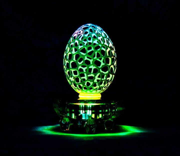 Spectacular Eggshell Sculptures Transformed into Mini Lamps - My Modern Met