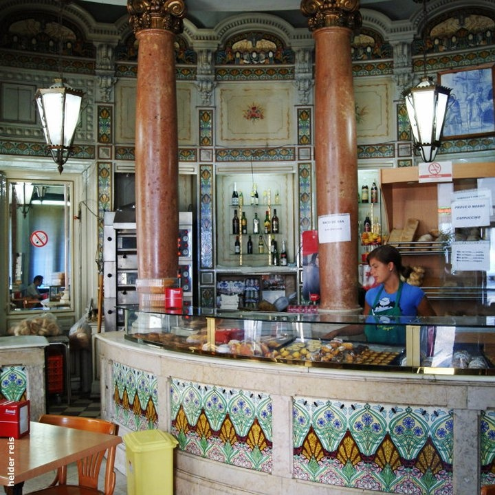 Lisboa typical pastries shops #Portugal