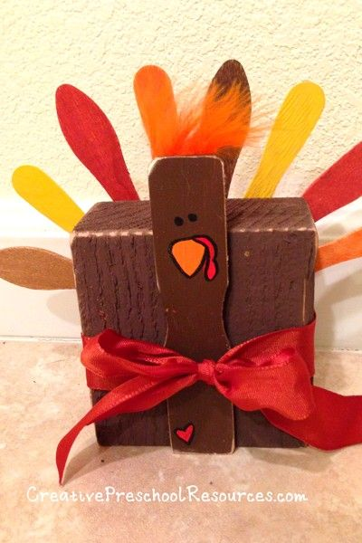 block turkey : wood block, the handle of a paint stirrer and wooden spoons (or tapered popsicle sticks)