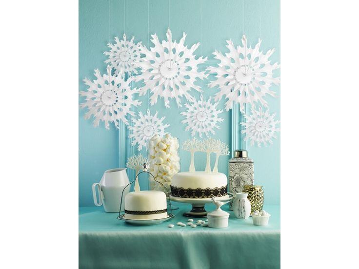 Rosetones de papel blanco con forma de copo de nieve para decoración de todo tipo de fiestas #bodas #bautizos #babyshower #frozen