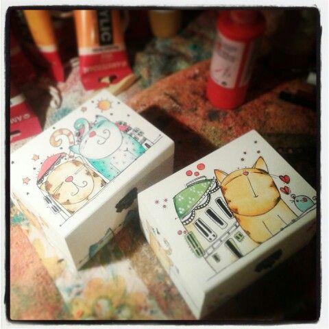 Www.caperucitazul.com #Ilustración#cajas #Acrílico sobre #madera#hechoamano…