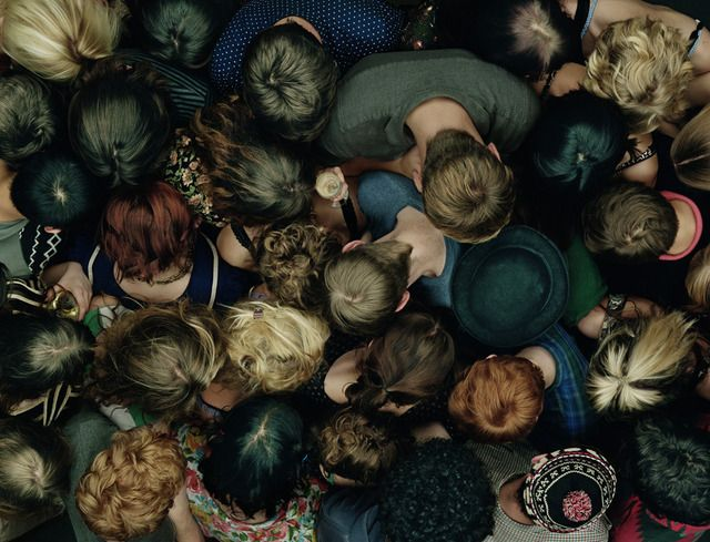 Non sei nato per confonderti nella massa, sei nato per distinguerti.( M.Angelou)