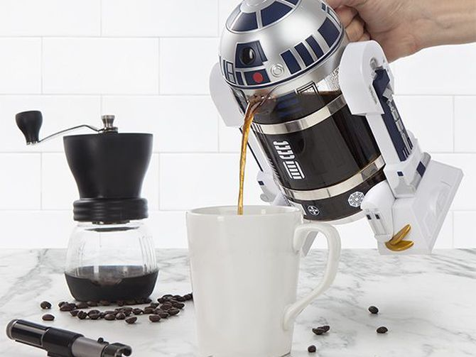 To make great coffee you need filtered water and fresh beans. To make coffee look great, you need ThinkGeek's Star Wars R2-D2 Coffee Press.