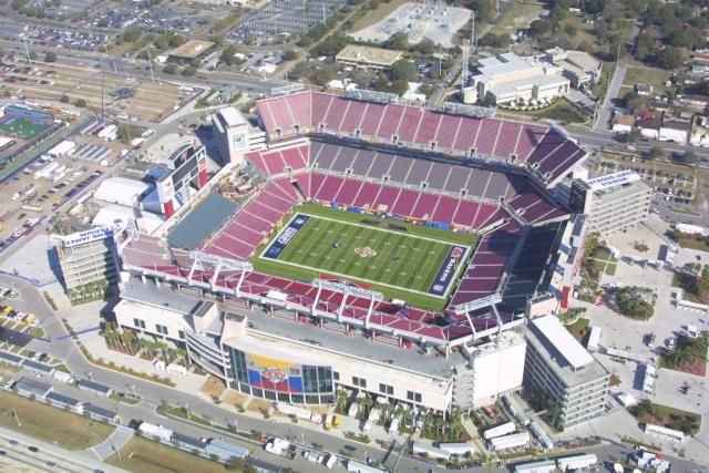 Raymond James Stadium, Tampa, Florida  http://architecture.about.com/od/stadiumsandarenas/ss/8-Super-Bowls-0-Roofs_4.htm#step-heading