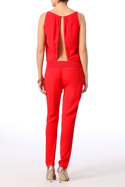Combinaison Ba&Sh 195€ http://www.monshowroom.com/fr/zoom/bash/combinaison-pantalon-en-crepe-de-viscose-lou/160005