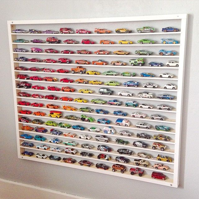 amazing car display for little bedrooms!  #estella #kids #decor